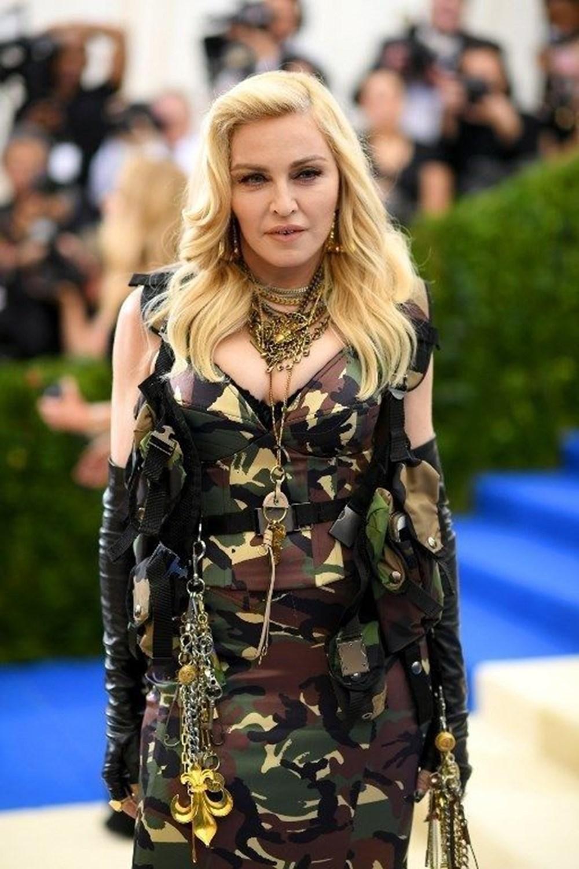Batman ve Matrix'i reddeden Madonna: Kendimi öldürecek kadar pişman oldum - 3