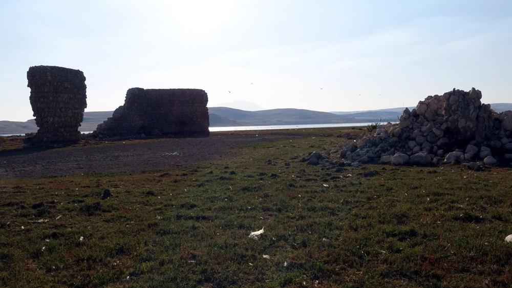 Van Gölü'nde sular çekilince tarihi Erciş Kalesi ortaya çıktı - 8