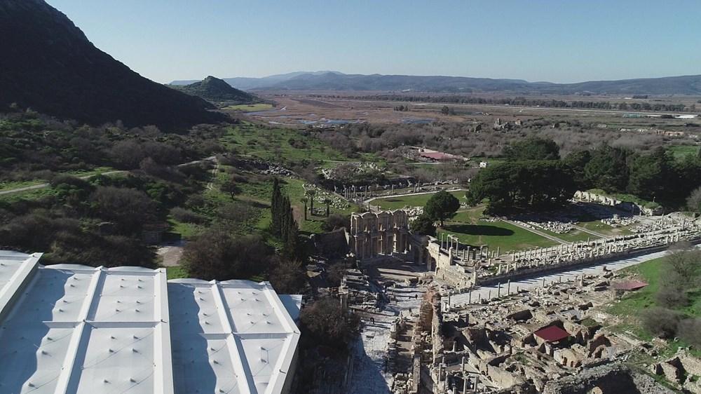 Efes Antik Kenti, pandemi döneminde de güvenli turizmin adresi oldu - 5