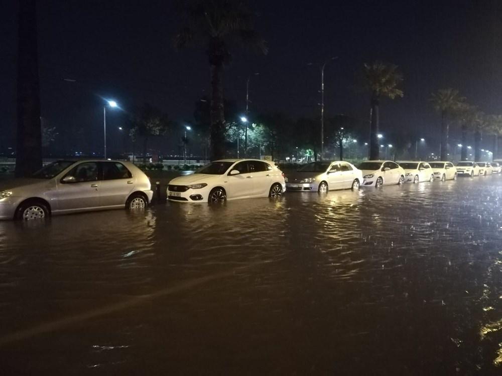 İzmir'i sel vurdu: 2 can kaybı - 23