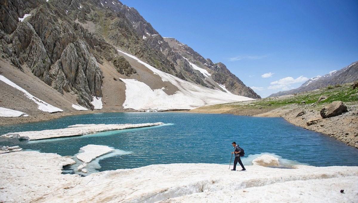 Tunceli'nin buzul gölleri eşsiz güzellikleriyle doğa tutkunlarını cezbediyor