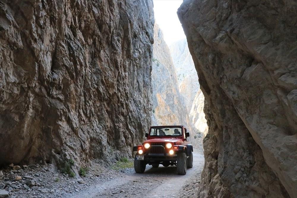 Erzincan'da yürekleri ağza getiren 'Taş Yolu': 132 yılda yapıldı - 4