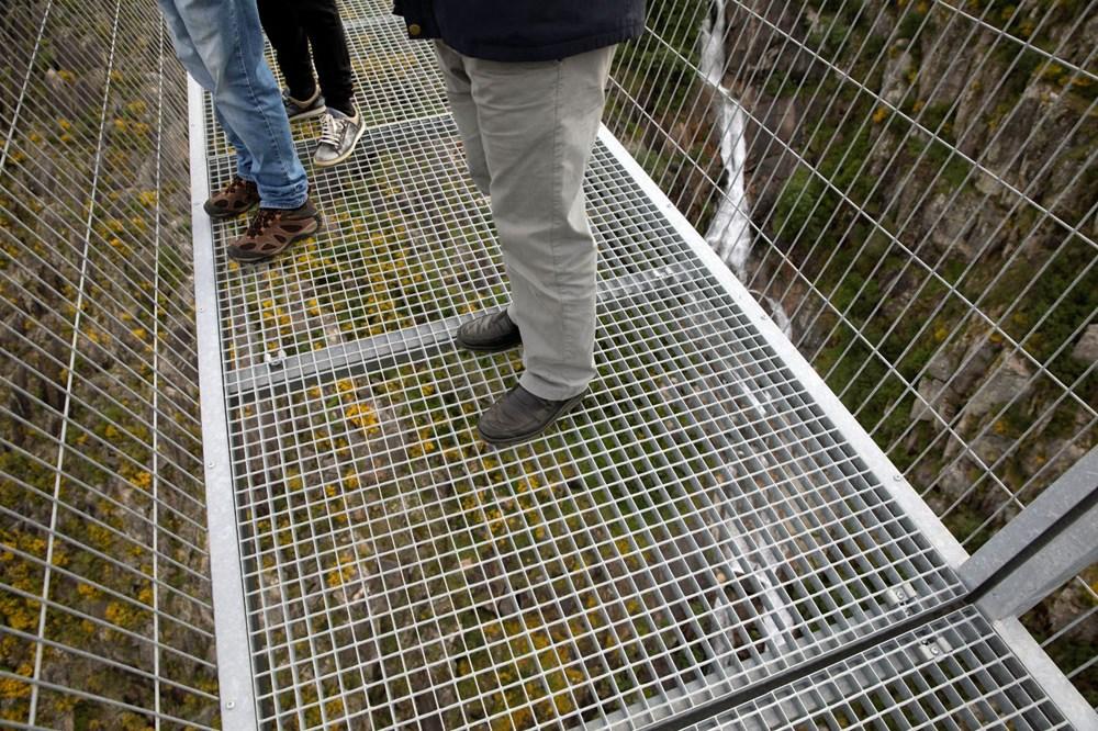 Yayalara özel en uzun asma köprü açıldı - 4