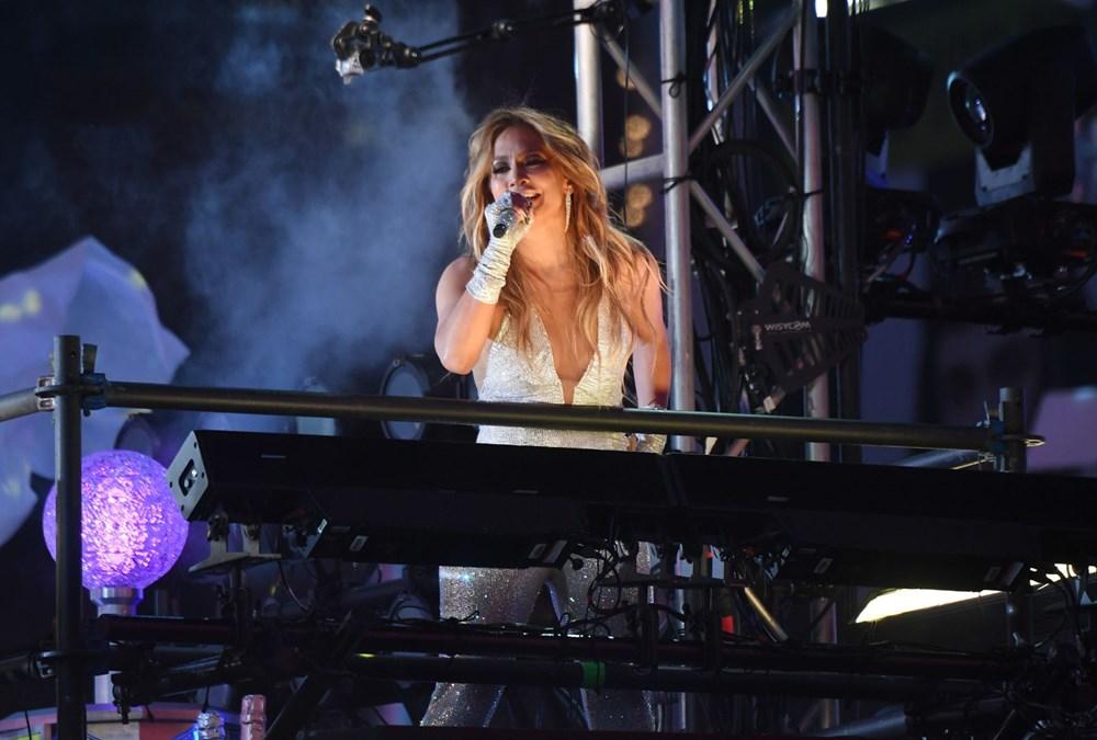 Yeni yıl kutlamasına Jennifer Lopez damgası - 7