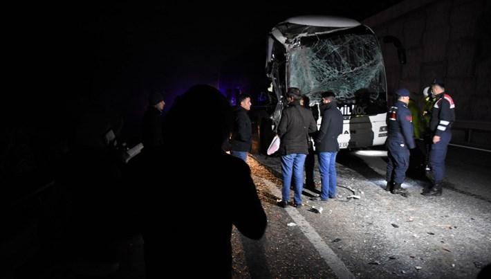 Bilecik - Eskişehir yolunda otobüs kazası: 6 yaralı