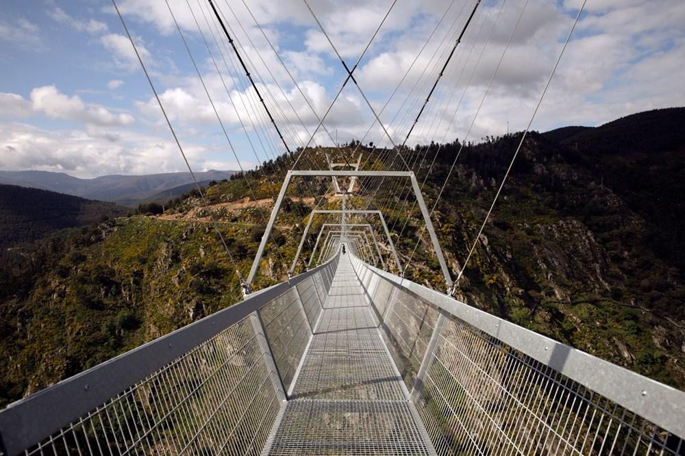Yayalara özel en uzun asma köprü açıldı - 2