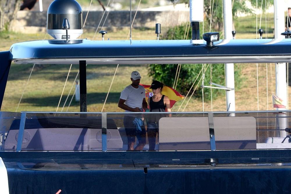 Rafael Nadal ile eşi Xisca Mery Perello ultra lüks yatlarını kendi temizledi - 4