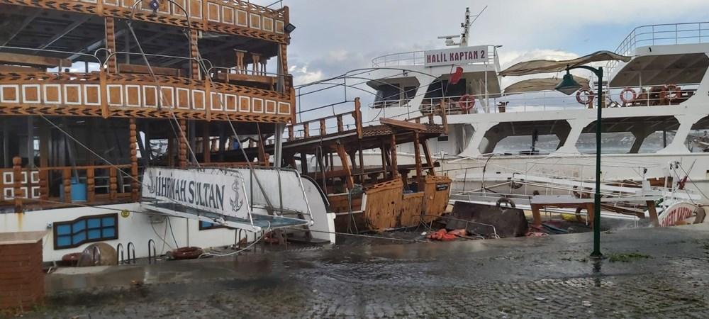 Ayvalık'ta fırtına: 20 tekne battı - 11