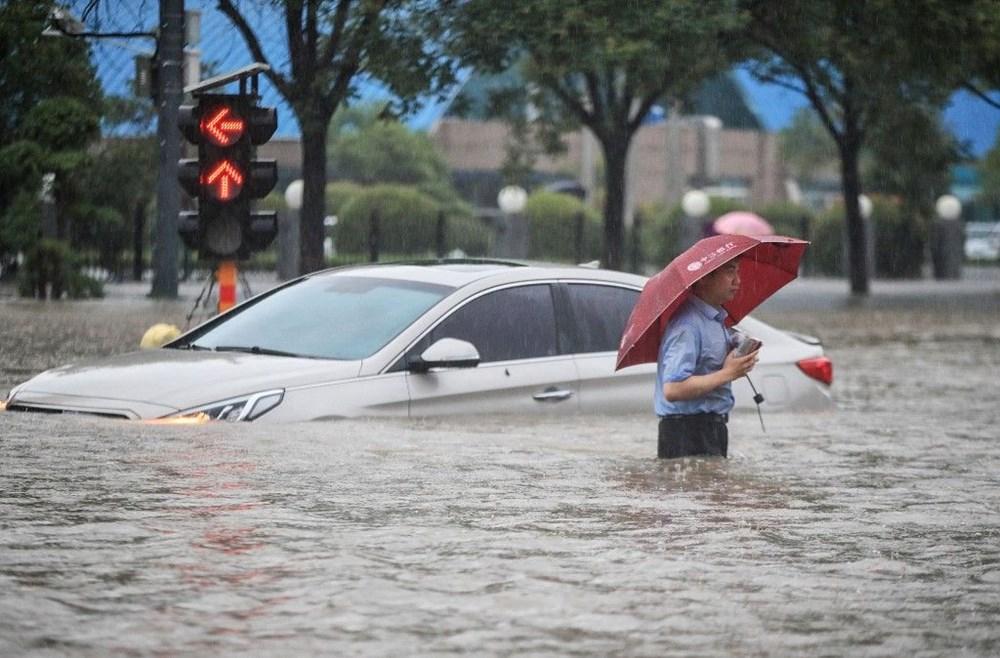 Çin'de 'bin yılın en şiddetli yağmuru' sele neden oldu: 16 can kaybı - 10