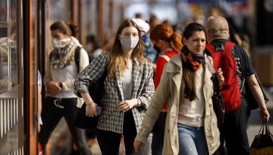 Almanya'da corona virüs otoritesinden uyarı: Kontrolsüz bir şekilde yayılabilir