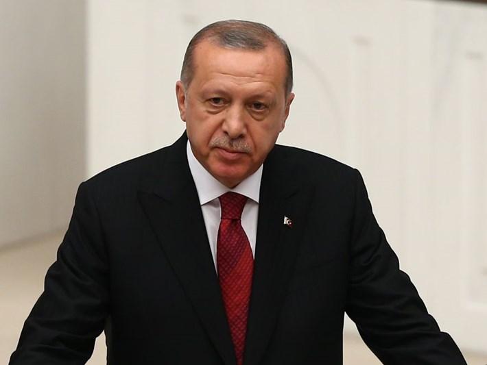 Cumhurbaşkanı Erdoğan yemin etti (Yeni sistem resmen başladı)