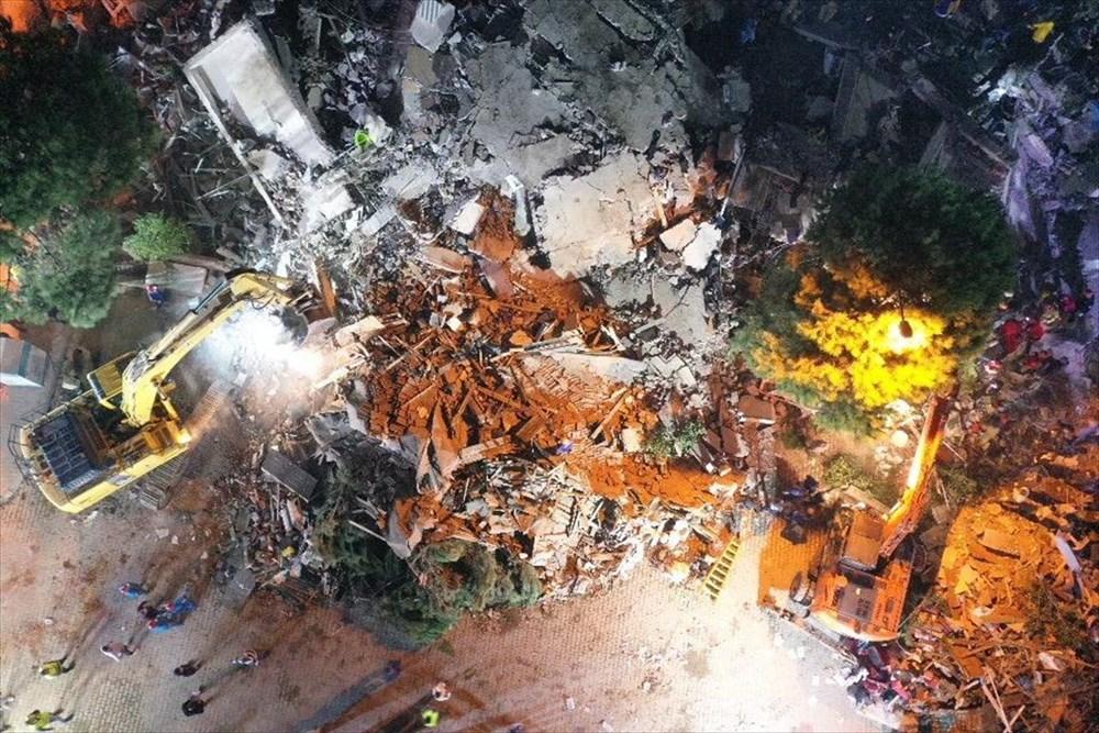 İzmir'de deprem sonrası enkaz altındakiler için zamana karşı yarış (58 saat sonra kurtarıldı) - 22