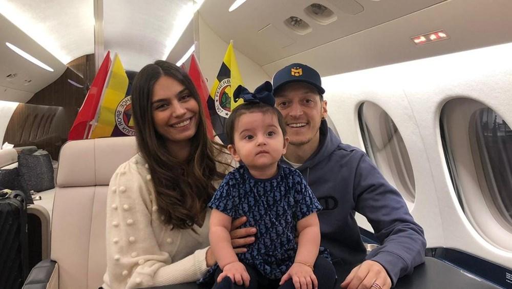 Mesut Özil ve ailesi yola çıktı