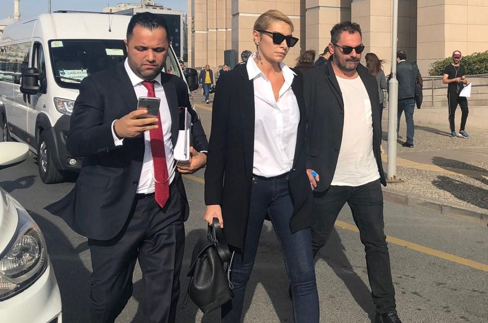 Sıla, Ahmet Kural hakkında üç ay uzaklaştırma kararı da aldırdı.