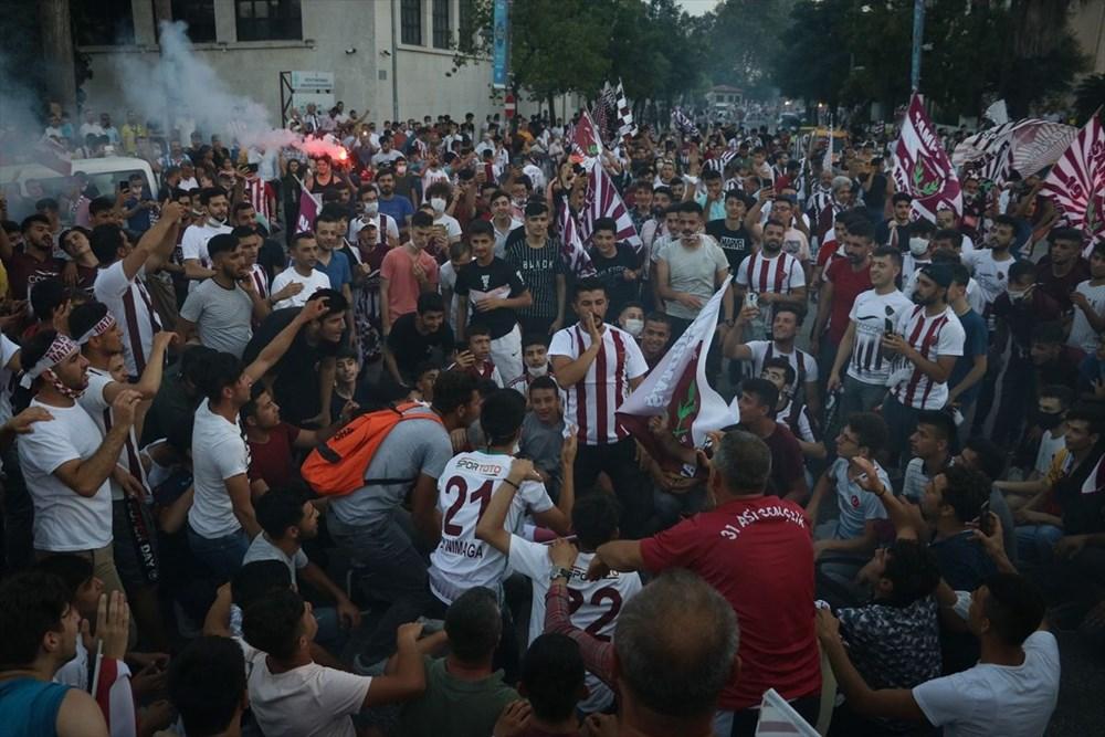 Hatayspor'un şampiyonluğu kentte büyük bir coşkuyla kutlanıyor - 6