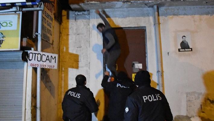 Adana'da bankaya giren şüpheli yakalandı