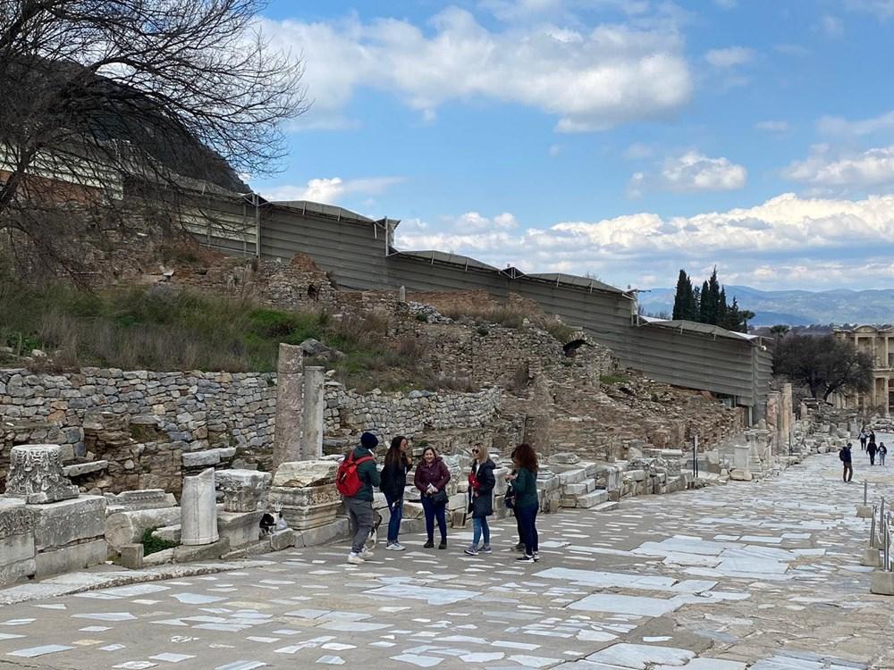 Efes Antik Kenti, pandemi döneminde de güvenli turizmin adresi oldu - 24
