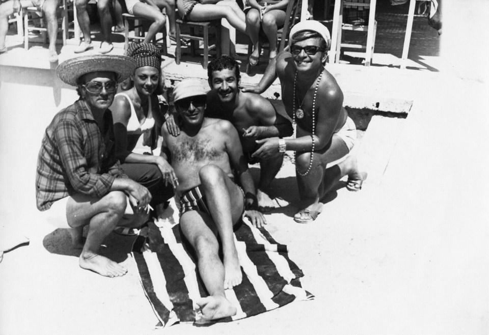 Şile plajı, 1971. İsmet Ay, Çolpan İlhan, Sadri Alışık, Zeki Müren ve Safa Önal.