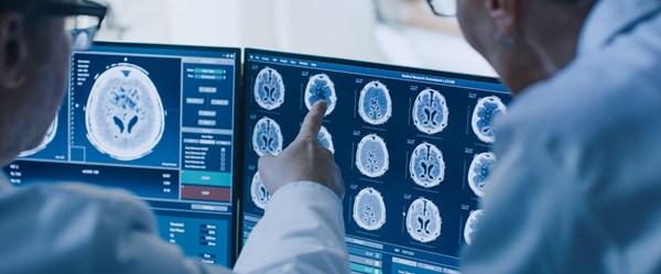 Burun akıntısı beyin omurilik sıvısı (BOS) çıktı
