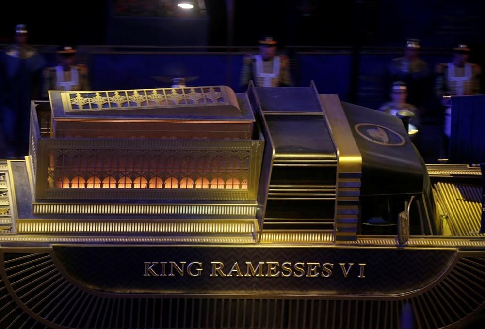 Mısır'da 18 kral ve 4 kraliçenin mumyası kortej eşliğinde müzeye taşındı - 7