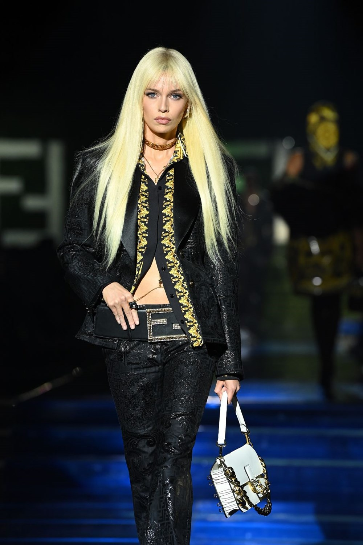Gigi Hadid, Kate Moss ve Naomi Campbell Milano Moda Haftası'nda - 8
