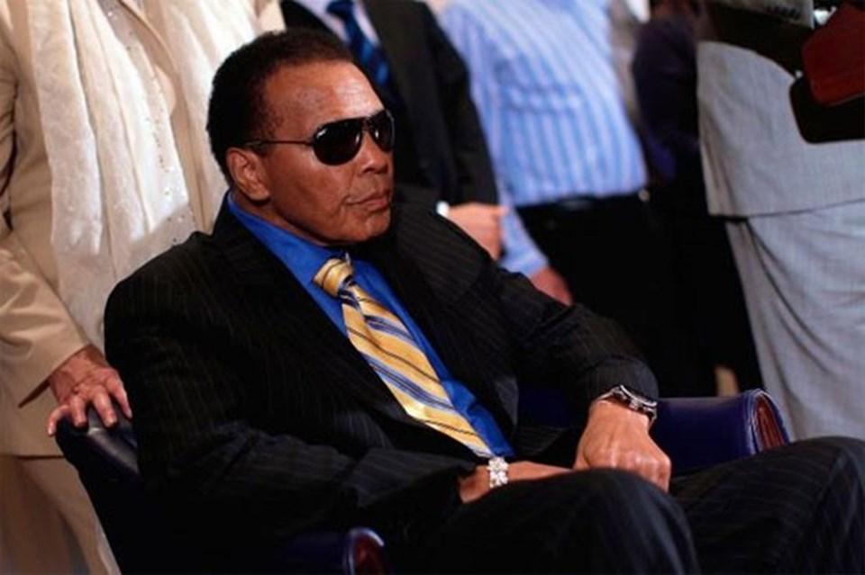Boks kariyeri boyunca 61 müsabakaya çıkan Muhammad Ali, bu maçlardan 56'sını (37'si nakavt) kazanmış, 5 sefer de mağlup olmuştu.