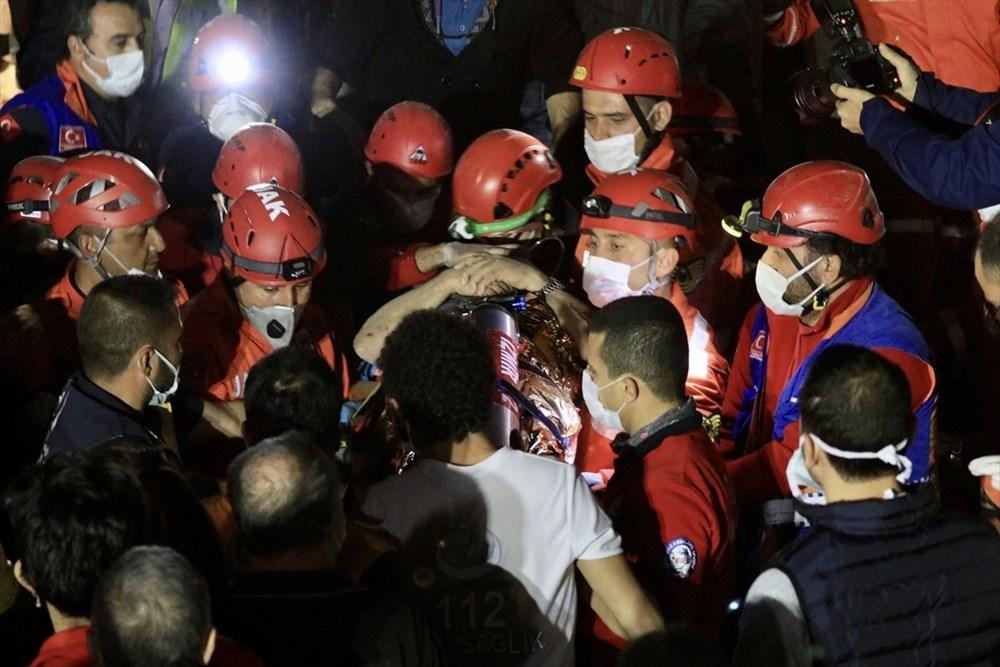 İzmir'de deprem sonrası enkaz altındakiler için zamana karşı yarış (58 saat sonra kurtarıldı) - 20