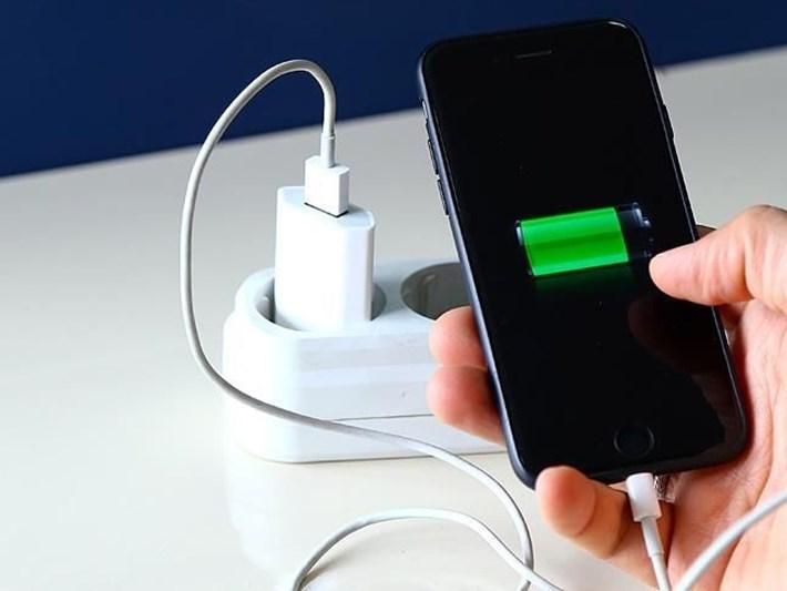 Telefonların batarya kapasitesi 'teknolojik darboğazı' aşamıyor