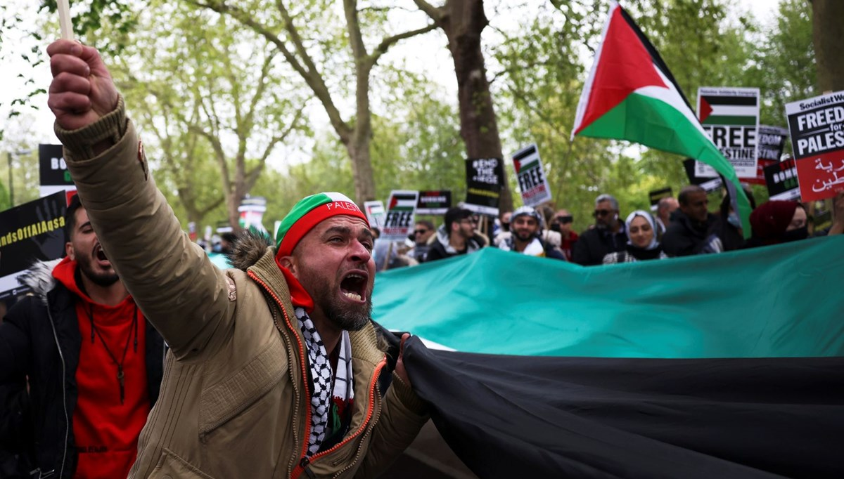 Support demonstrations for Palestine in Britain and France