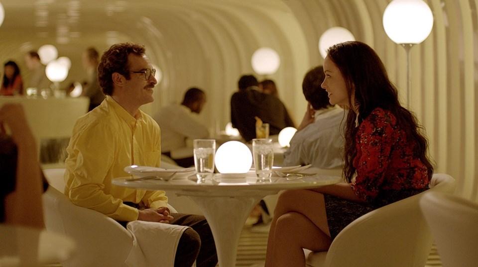 Oscar ödüllü 'Her' filmi, yalnız yaşayan bir adamın yazılım sistemi ile yaşadığı sıradışı aşkı anlatıyordu.