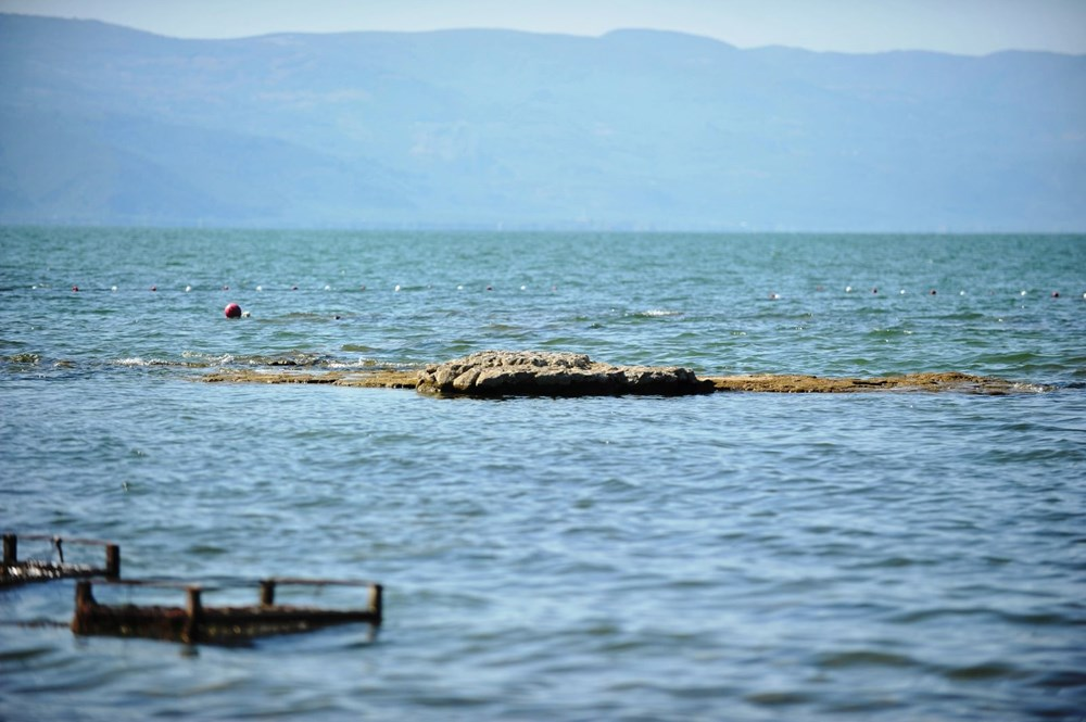 Sular çekilince 2 bin yıllık bazilikanın bir kısmı gün yüzüne çıktı - 9