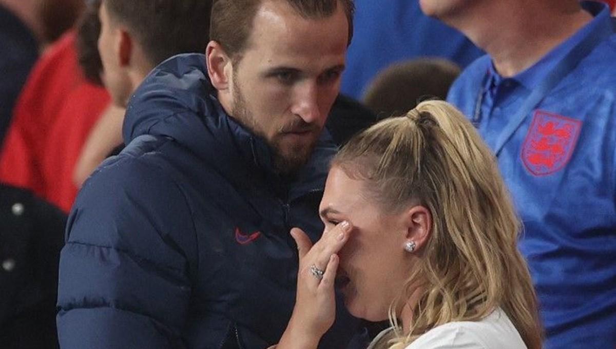Harry Kane İngiltere-İtalya maçı sonrası ağlayan eşini teselli etti
