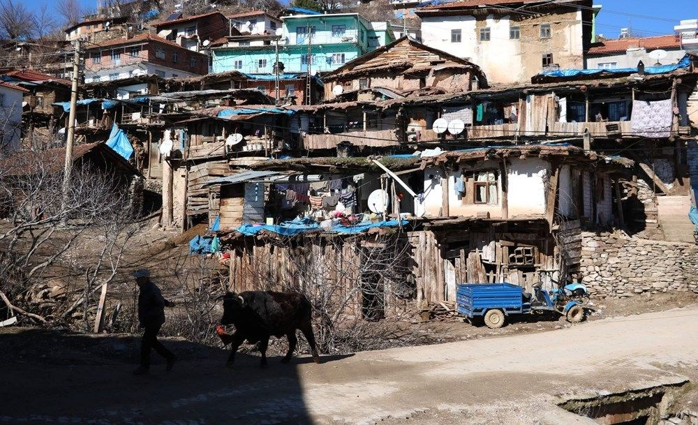 İç içe 35 ev! Burası Nepal değil Manisa - 12