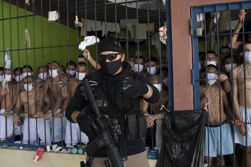El Salvador'da 'balık istifi' hapishane - 7
