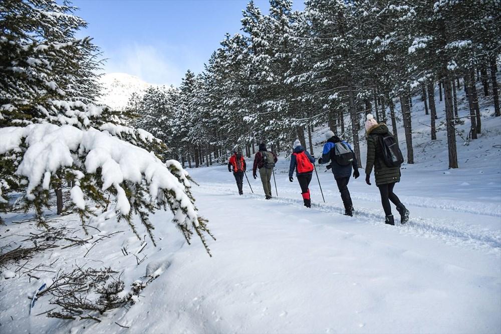 'Beyaz gelinliğini' giyen Toroslar doğa yürüyüşçülerinin gözdesi oldu - 13