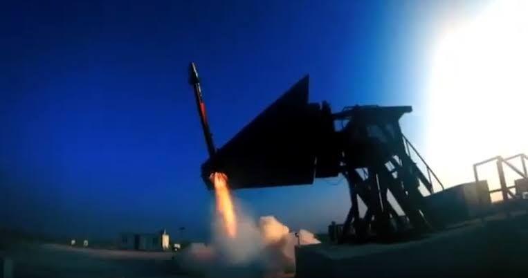 <p>TÜBİTAK Savunma Sanayii Araştırma ve Geliştirme Enstitüsünce(SAGE) Göktuğ Projesi kapsamında geliştirilenBozdoğan Füzesi, 2020 yılında uçaktan test atışlarının tamamlanmasından sonraTürk Silahlı Kuvvetleri (TSK) envanterine dahil olacak.</p>