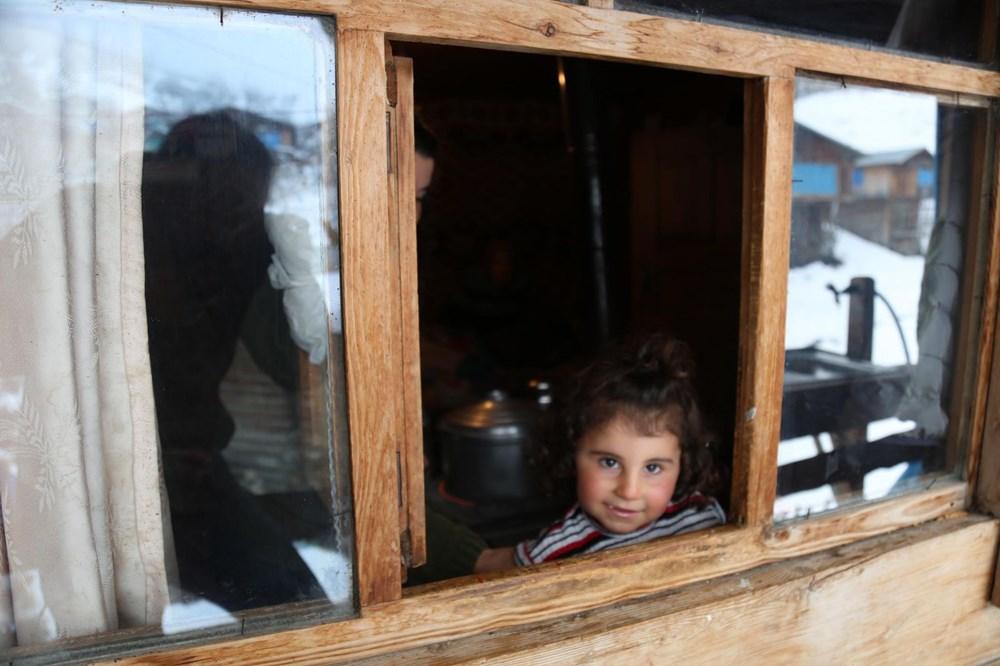 Artvin'deki 2 bin rakımlı Maden Köyü'nde kışı böyle geçiriyorlar - 4