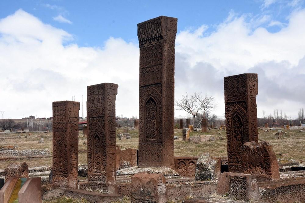 Anadolu'nun Orhun Abideleri: Ahlat Selçuklu Meydan Mezarlığı - 13