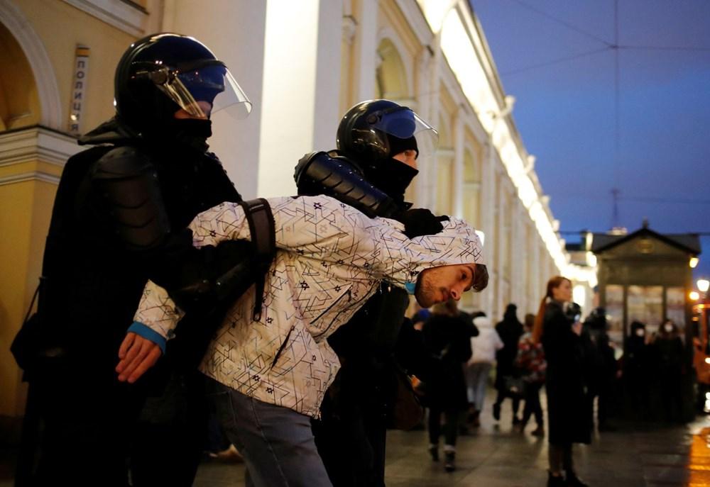 Rusya'da Navalni protestolarında gözaltı sayısı bin 400'ü aştı - 19