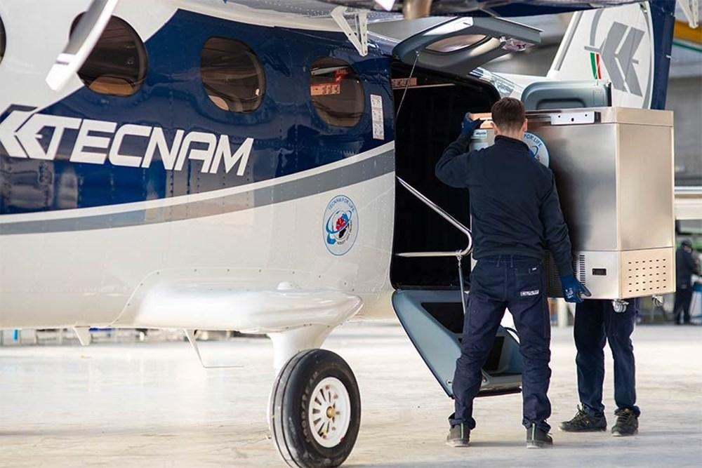 Yolcu uçağı, Pfizer/BioNTech aşısını taşımak için devasa bir dondurucuya dönüştürüldü - 2