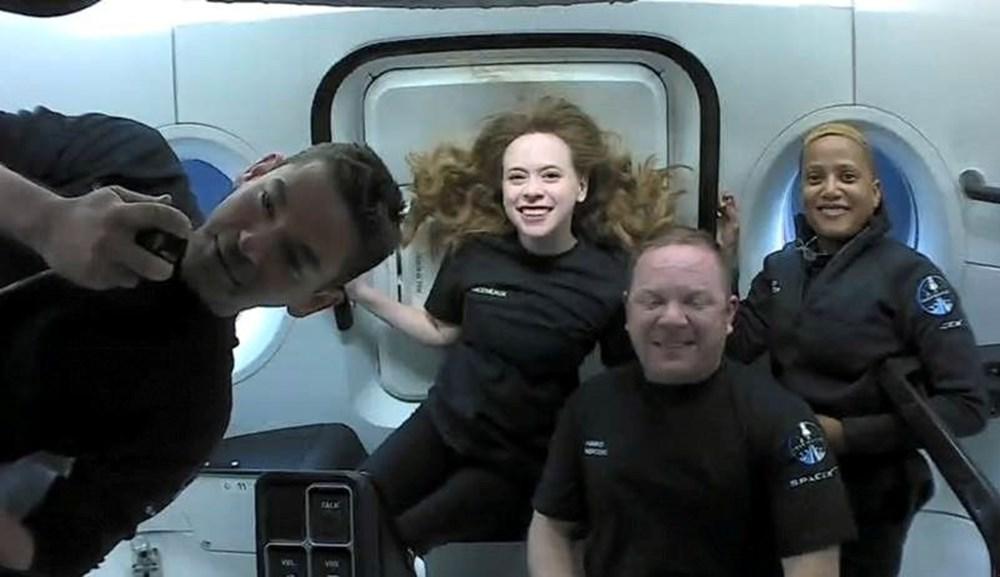 Musk'tan uzayda tuvalet açıklaması: Uzay turistleri döndü - 3