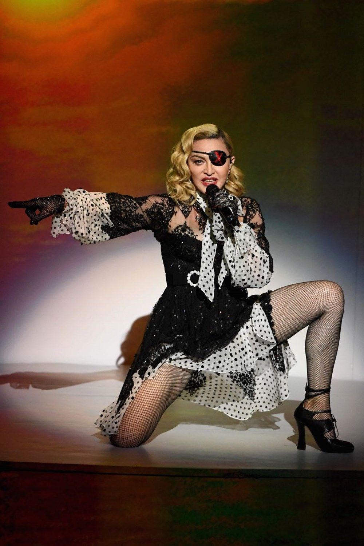 Batman ve Matrix'i reddeden Madonna: Kendimi öldürecek kadar pişman oldum - 6