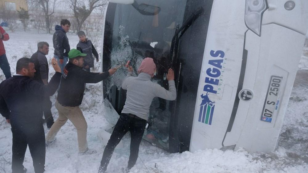 Konya'da 2 tur otobüsü devrildi: 1 Rus turist öldü, çok sayıda yaralı - 6