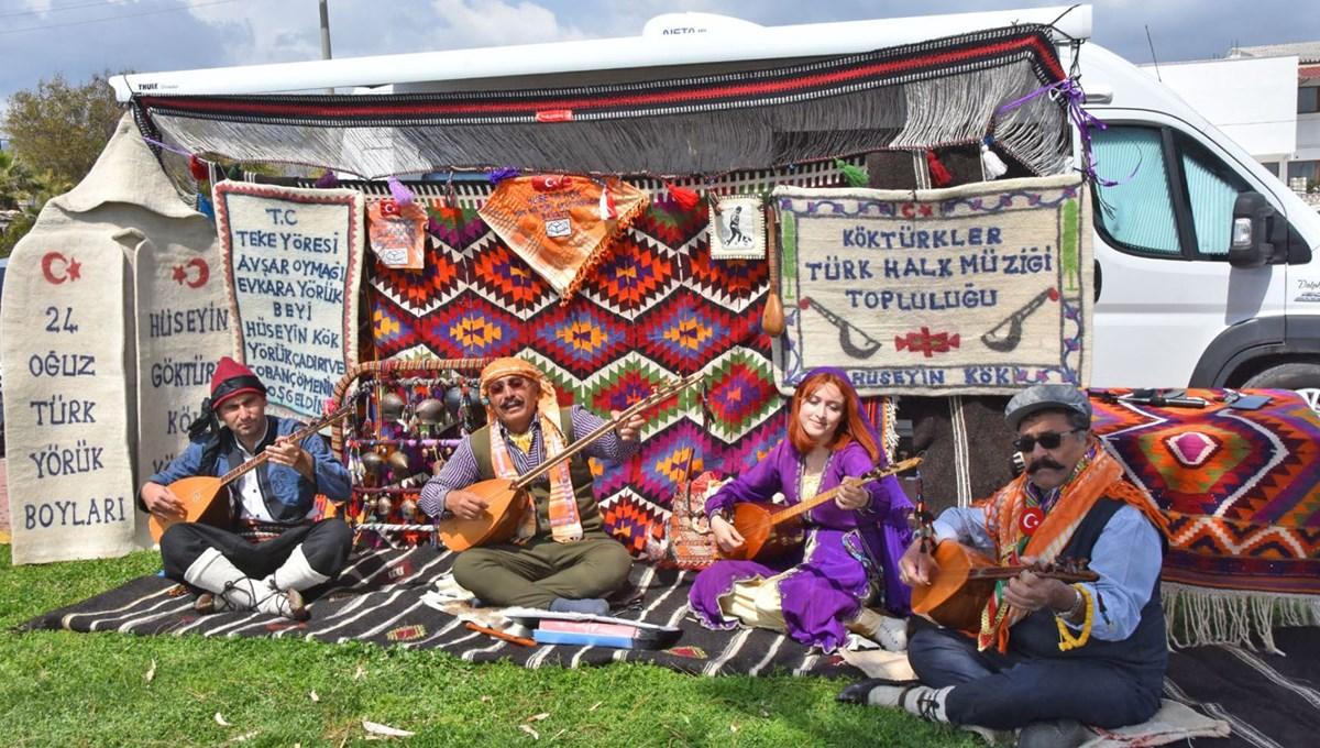 Türküleri yaşatmak için karavanıyla diyar diyar geziyor