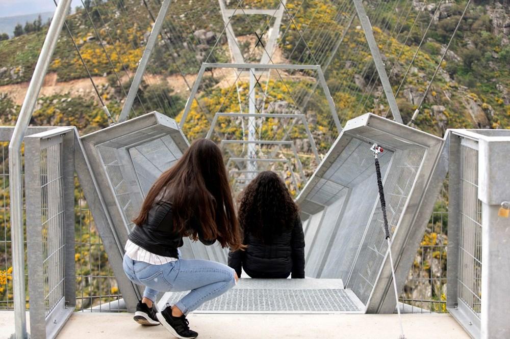 Yayalara özel en uzun asma köprü açıldı - 17