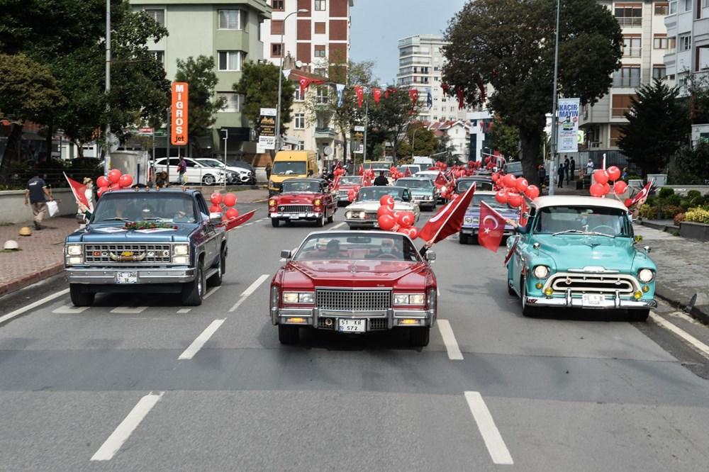 Kadıköy'de klasik otomobillerden Cumhuriyet Konvoyu - 9