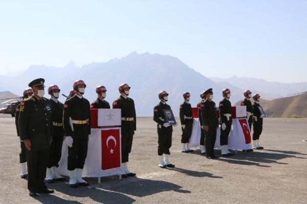 Şehit askerler için tören - 12