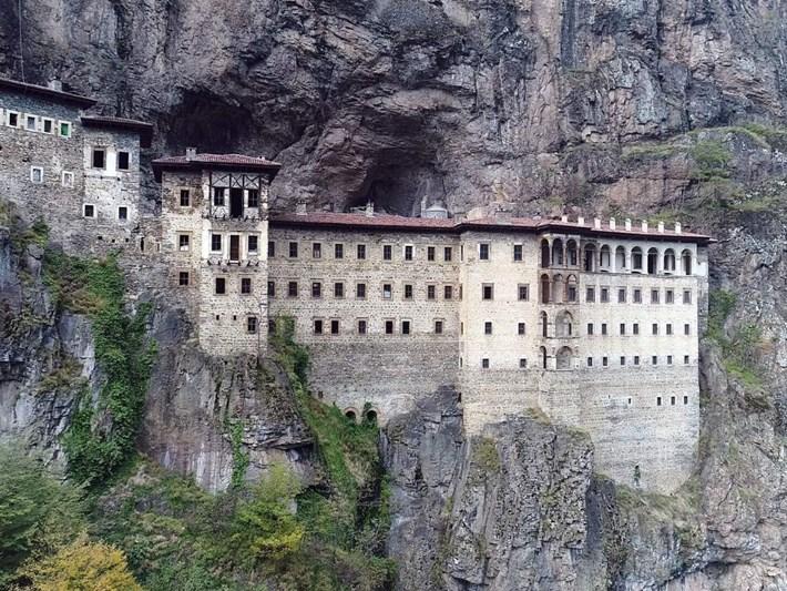 Sümela Manastırı'ndaki restorasyon tekrar başladı