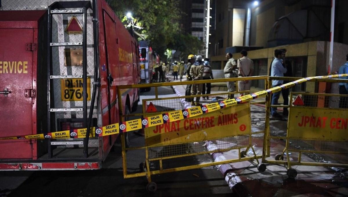 Hindistan'da Covid-19 hastanesinde yangın: 8 ölü