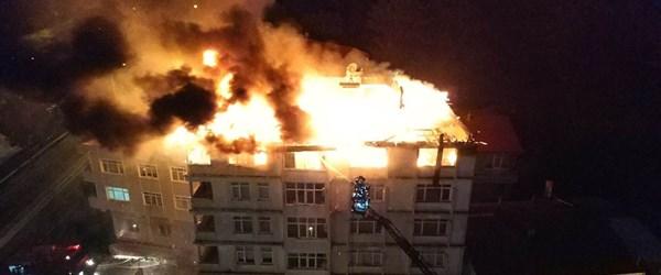 Samsun'da bir binanın 7. katı ve çatısı alev alev yandı